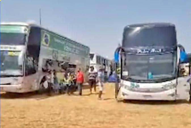 Vídeo: Brasília já recebe dezenas de ônibus de turismo para o 7 de setembro