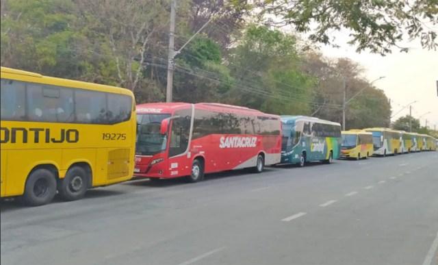 Vídeo: Empresas de ônibus realizam protesto em BH para que governador Zema aprove projeto de lei contra fretados - revistadoonibus