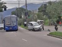 Rio: Acidente entre ônibus da Expresso Pégaso e carro deixa tráfego lento na Estrada do Mendanha - revistadoonibus