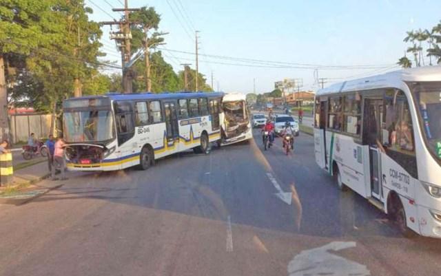 Vídeo: Acidente com dois ônibus complicou o trânsito na Avenida Augusto Montenegro, em Belém - revistadoonibus