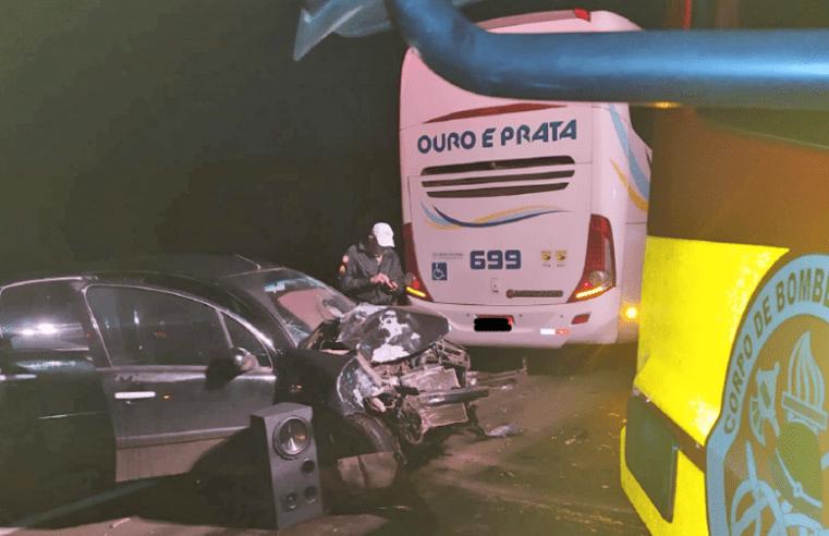 SC: Acidente entre carro e ônibus da Ouro e Prata deixa uma pessoa ferida em São Lourenço do Oeste