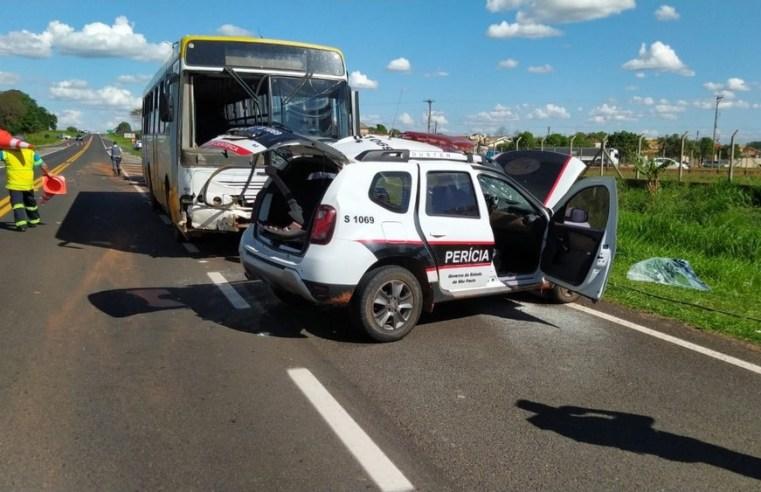 SP: Acidente entre viatura policial e ônibus deixa agente morta em Martinópolis - revistadoonibus
