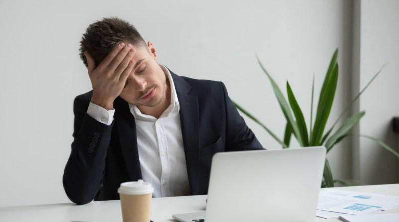 Setembro amarelo: 5 dicas para gestores ajudarem a evitar o burnout nos colaboradores