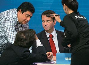 Kassab é maquiado em debate
