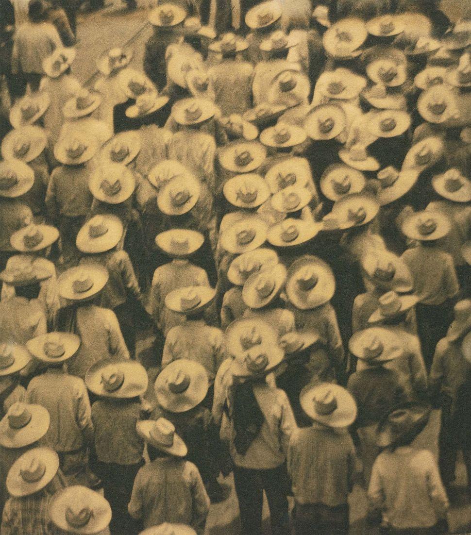 Tina Modotti, Workers Parade, 1926