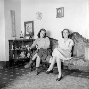 Alfredo Cortina. Ida Gramcko y Elizabeth Schön. c. 1950. ©Archivo Fotografía Urbana.