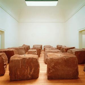 Anish Kapoor. Void Field, 1990. Bienal de Venecia.