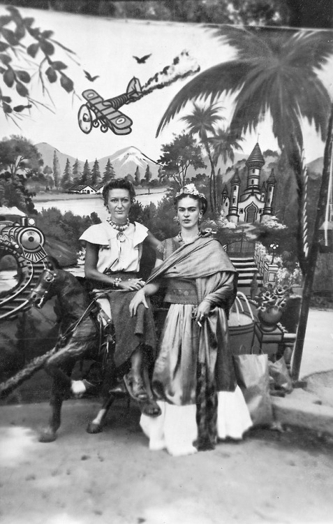 Frida Kahlo con Jacqueline Lamba
