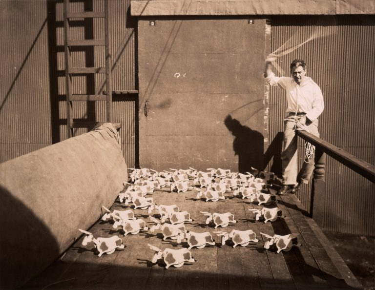 Calder con Bullie Toddlers 1927 Gould Manufacturing Company Oshkosh, Wisconsin 1929