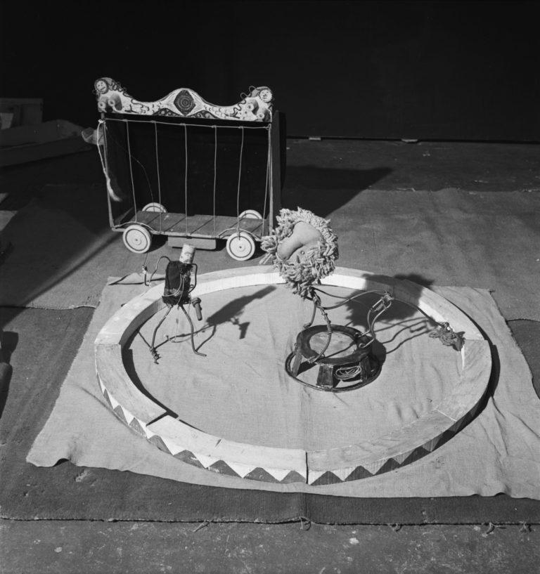 Cirque Calder 1943