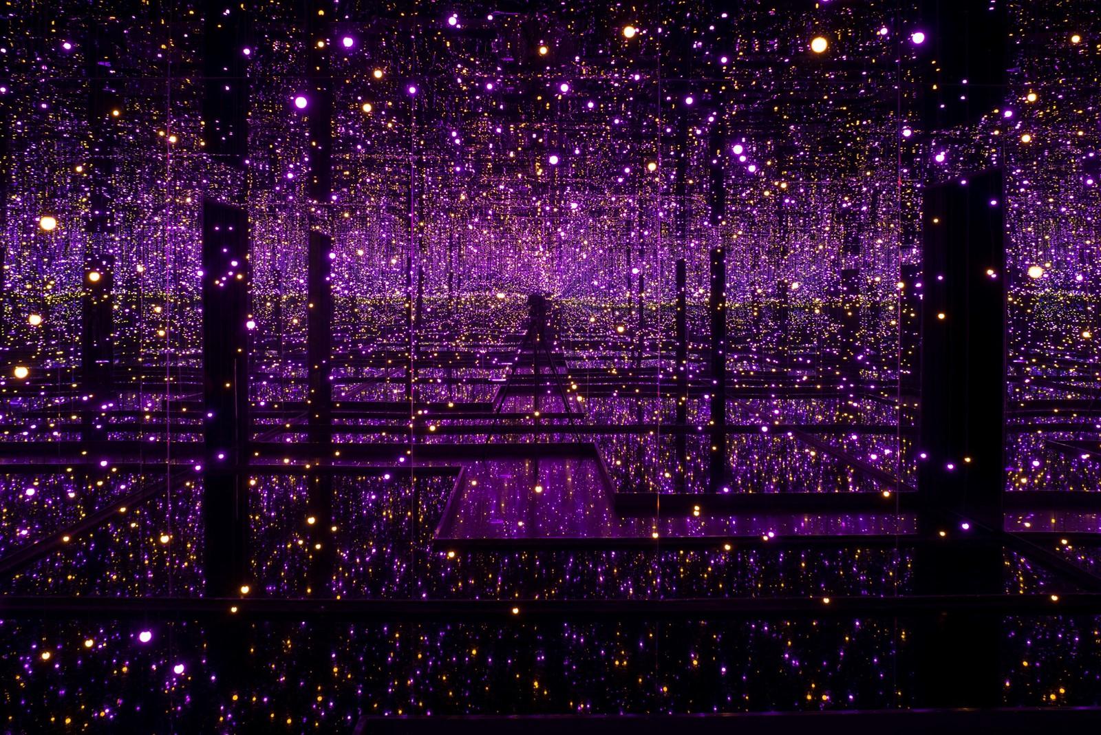 Yayoi Kusama. Infinity Mirrored Room - Filled with the Brilliance of Life 2011/2017. Cortesía Tate