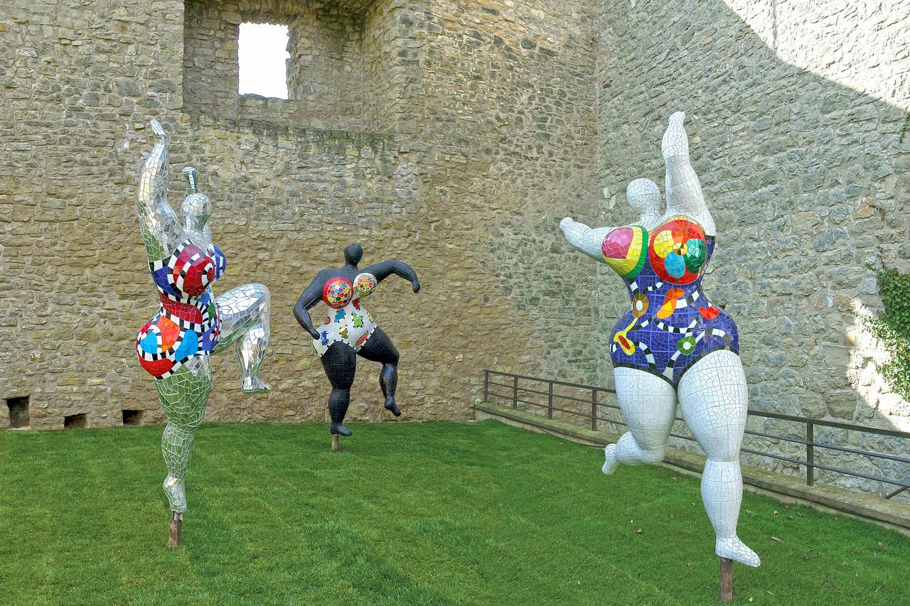 Niki de Saint Phalle. Les Trois Graces c. 1995. Chateau de Malbrouck 2010