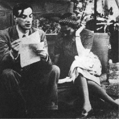 Victoria Ocampo y Roger Caillois en la ciudad de Mar del Plata ca. 1940.