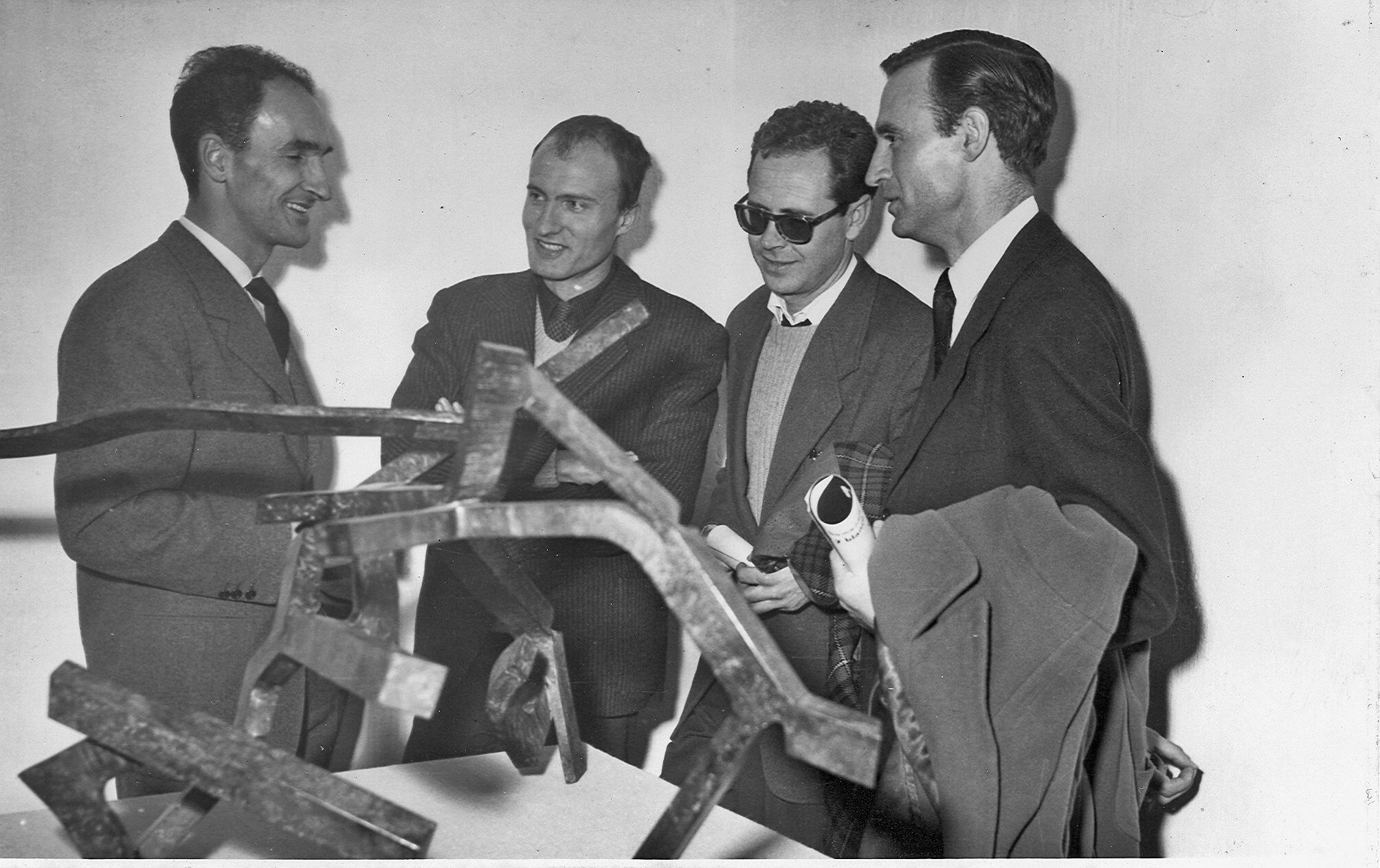 Rumor de límites II, 1959. Chillida con Millares, Chirino y Canogar, Madrid.