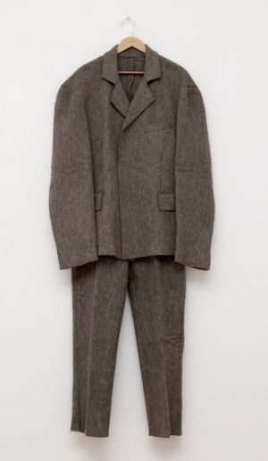 Joseph Beuys. Traje de fieltro,1970