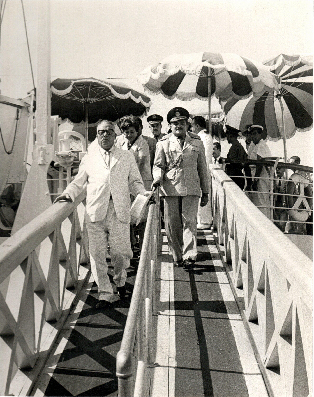 Con el presidente de la república Rómulo Betancourt. Archivo El Nacional.