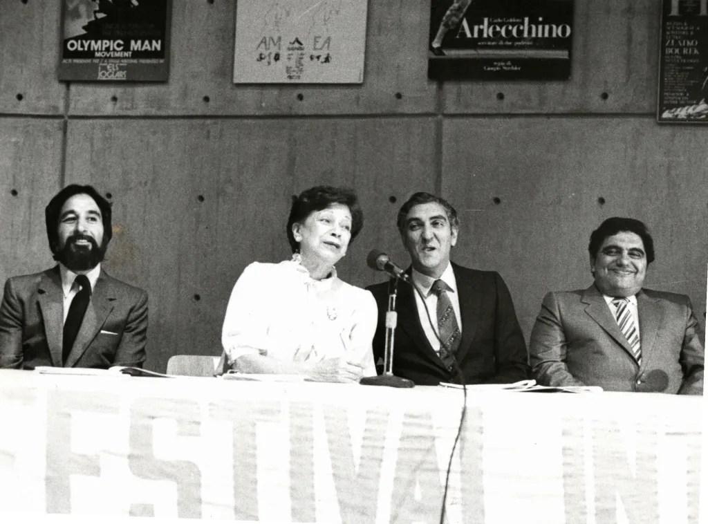 María Teresa Castillo en rueda de prensa del Festival Internacional de Teatro. Foto César Trujillo. Archivo El Nacional.