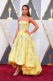 Alicia Vikander vestido diseño de Louis Vuitton
