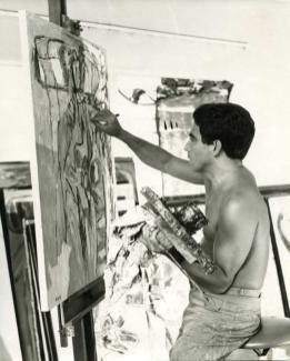Oswaldo Vigas en su taller de La Parroquia en Mérida 1967
