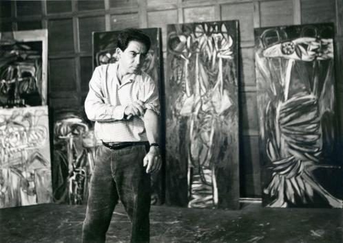 Oswaldo Vigas en su taller de La Parroquia en Mérida, 1967