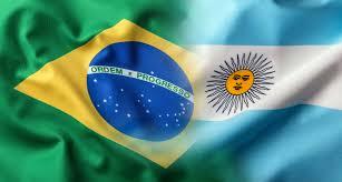Fuego cruzado con Brasil por trabas al comercio exterior.
