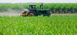 Las cadenas agroindustriales temen por regulaciones de Europa contra los agroquímicos.