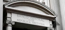 El Banco Central restringe el acceso al mercado de cambios para importadores.