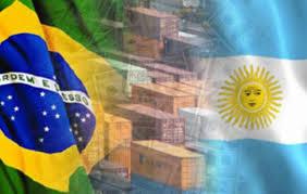 El comercio bilateral con Brasil se equilibra pero se achica: caen importaciones y exportaciones