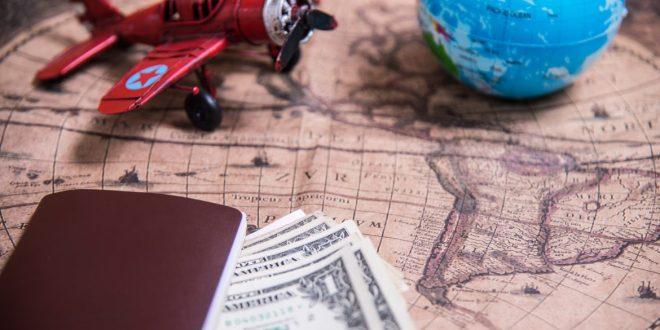 La reglamentación de AFIP del impuesto del 30% a la compra de dólares y viajes al exterior.