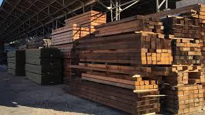 Un buque cargó 20 mil toneladas de madera de pino en Entre Ríos con destino a China