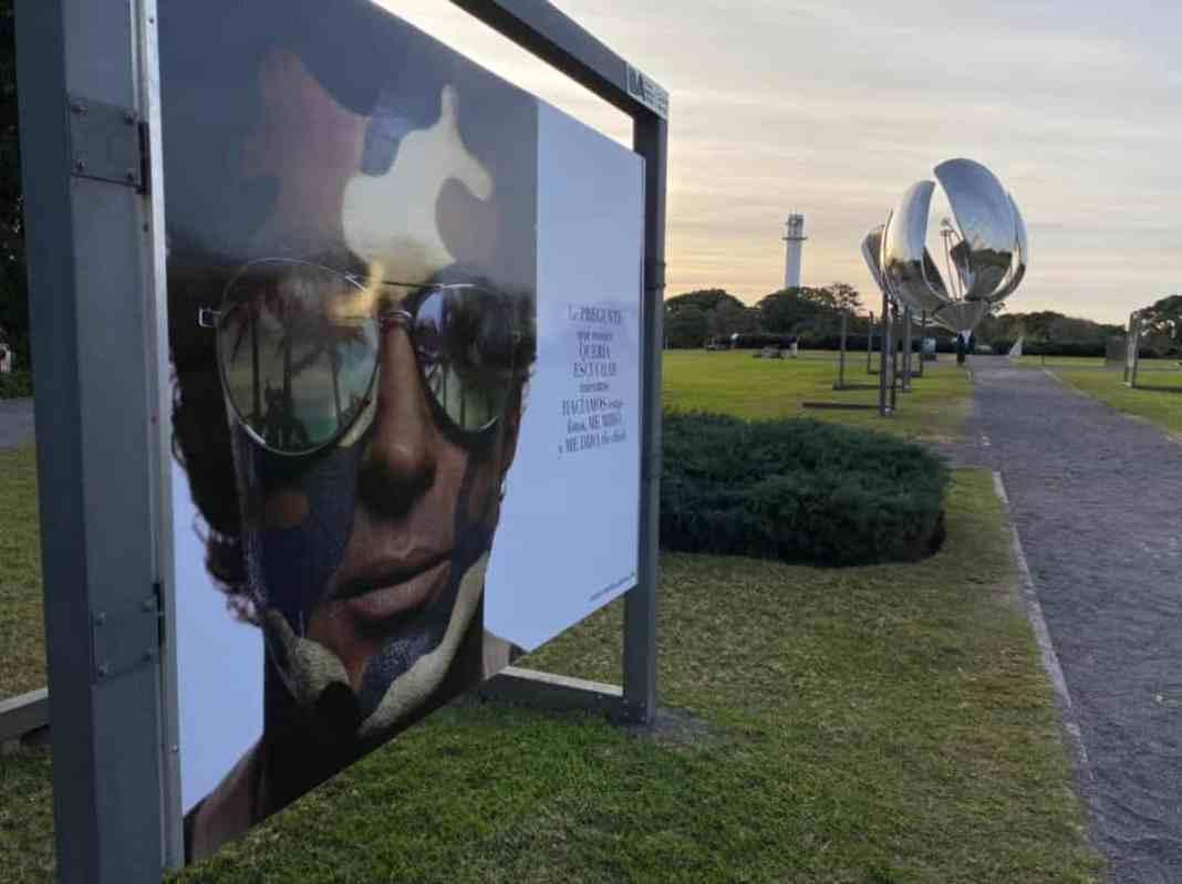 Rocca & Roll by Gabriel Rocca - motorola razr Open Sky Gallery de Buenos Aires