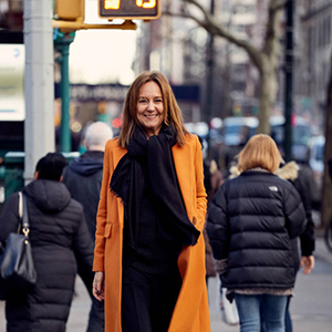 foto maria dueñas en nueva york en revista literaria galeradas