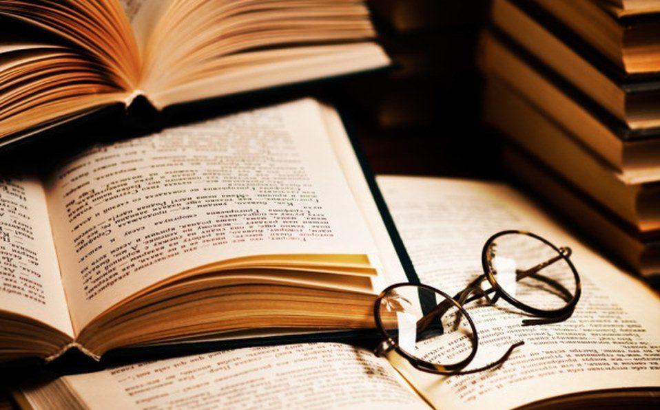 Revista Literaria Galeradas. Foto libros