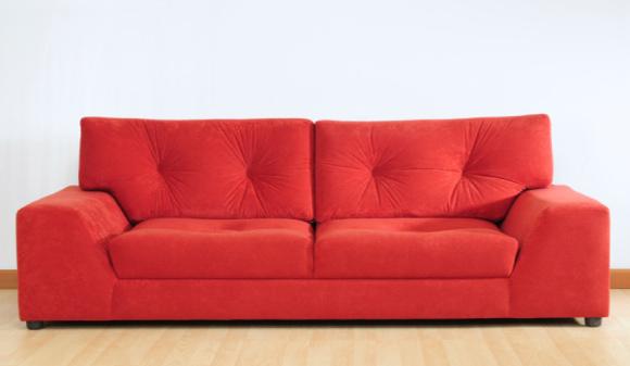 Sofá retrátil é sinônimo de conforto, inclusive em salas pequenas