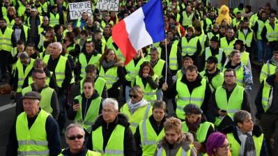 Protesto dos Coletes Amarelos na França. Crédito: https://cdni.rt.com