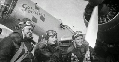 Polina Osipenko, Valentina Grizodubova and Marina Raskova em 1938. Crédito: domínio público.