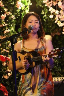 A musicista Luísa Ashiwara. Crédito: Arquivo Pessoal.