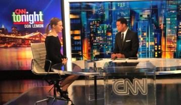 Ex-candidata a presidencia russa, Kseniya Sobchak em entrevista ao programa Tonight, na CNN. Crédito: https://sm-news.ru/sobchak-vylozhila-snimok-iz-studii-cnn/