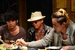 Shohei Hino (meio) vive o chefe do personagem Tatsuo Sato. Crédito: AsianWiki.