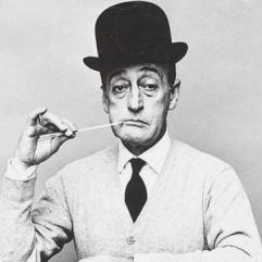 Ícone da comédia italiana, Antonio de Curtis (1898 – 1967), o Totò, tem, oficialmente, um nome para lá de comprido: Antonio Griffo Focas Flavio Dicas Commeno Porfirogenito Gagliardi De Curtis di Bisanzio. Crédito: Festival de Cinema Italiano no Brasil.