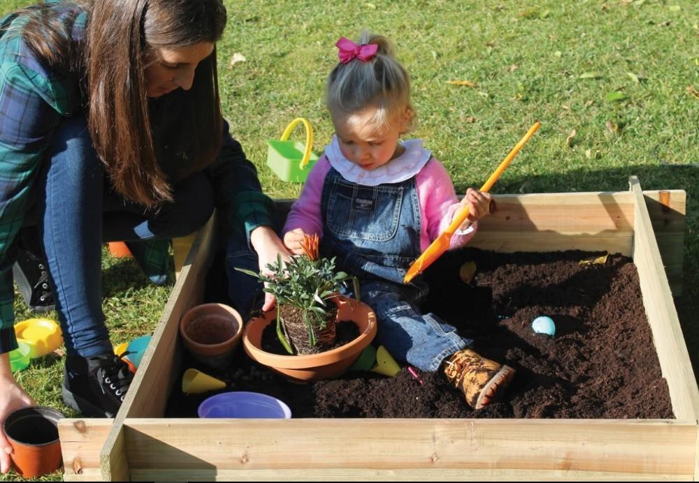mini jardim com crianças