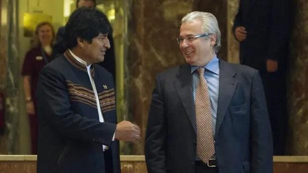 Evo Morales ficha al carcelero Baltasar Garzón