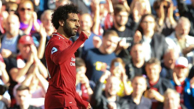 El Liverpool gana y se pone líder de la Premier League
