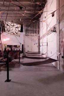 Vue de l'installation de Martin Soto Climent, Frenetic Gossamer, Palais de Tokyo (19.02 – 11.09.2016). Courtesy de l'artiste & T293 (Rome), Karma International (Zurich), Clifton Benevento (New York), Proyectos Monclova (Mexico). Photo : Aurélien Mole. / Installation view of Martin Soto Climent, Frenetic Gossamer, Palais de Tokyo (19.02 – 11.09.2016). Courtesy of the artist & T293 (Rome), Karma International (Zurich), Clifton Benevento (New York), Proyectos Monclova (Mexico City). Photo: Aurélien Mole.