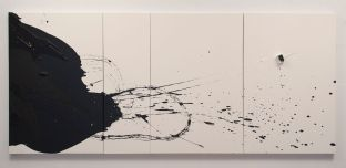 Liliana Porter – Untitled with White Cart II (2016) © Cortesía de Espacio Mínimo