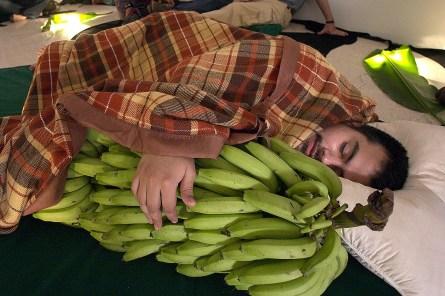 Para ti el banano madura el peso de tu dulce amor, 2008 Naufus Ramírez-Figueroa Fotografía
