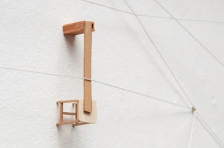 Detalle Arquitectura de reyes (Ejercicios de tensión), 2016 Cuerda, huesos, cartón y madera Dimensiones variables