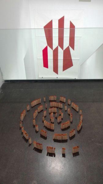 Hacia donde Olmedo miraba. Vista entreplanta. Obras de Fabiano Kueva y Rocardo Coello Gisbert. Cortesía de la Galería Ponce + Robles