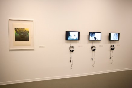 Anna Bella Geiger. Geografía Física y Humana. Vista de la exposición en La Casa Encendida.
