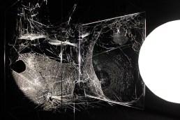 Tomás Saraceno, Echoes of the Arachnid Orchestra with Cosmic Dust. Gravity. Immaginare l'Universo dopo Einstein, MAXXI Roma, 2017. Foto: Cecilia Fiorenza